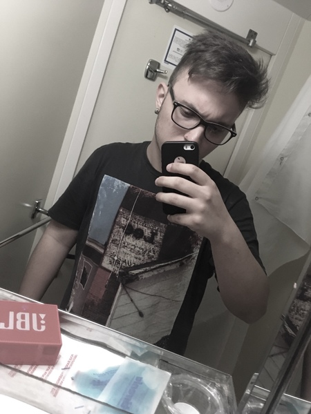 GiovyIdillio's Profile Photo