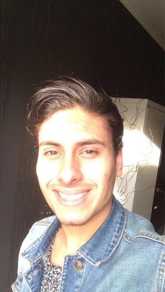 Azad11's Profile Photo
