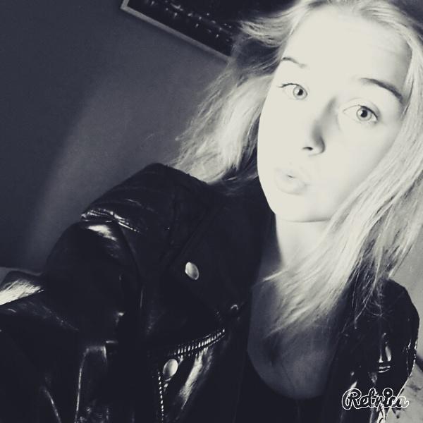 Laura131713's Profile Photo
