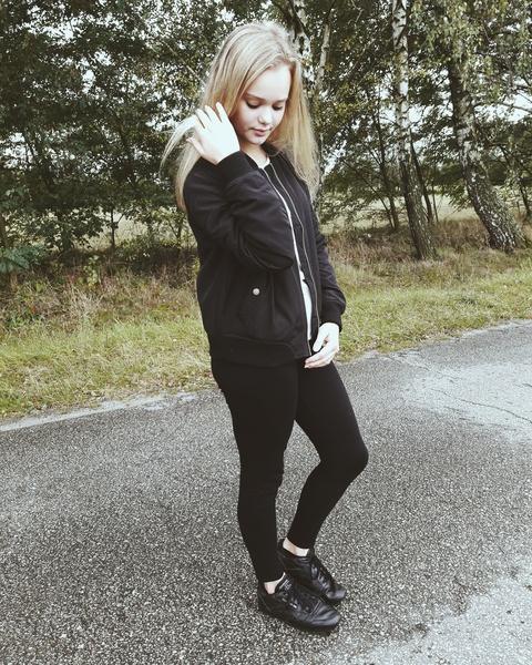 myloveisyourproblem's Profile Photo