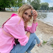 XeniaSarah's Profile Photo