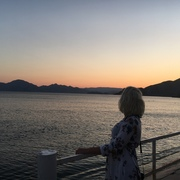 PosHlo_pO_p8zDe's Profile Photo