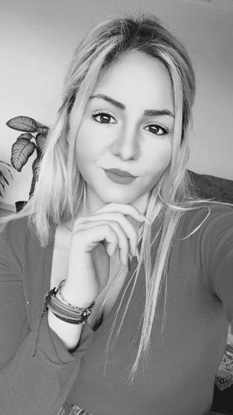 ZeynepBenli888's Profile Photo