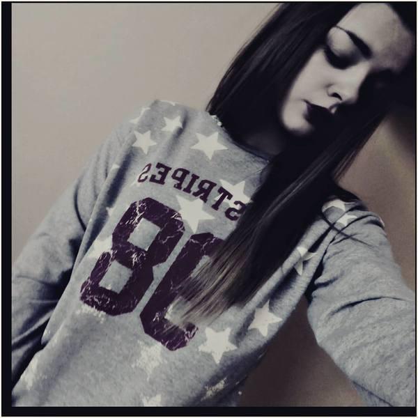 renia567's Profile Photo