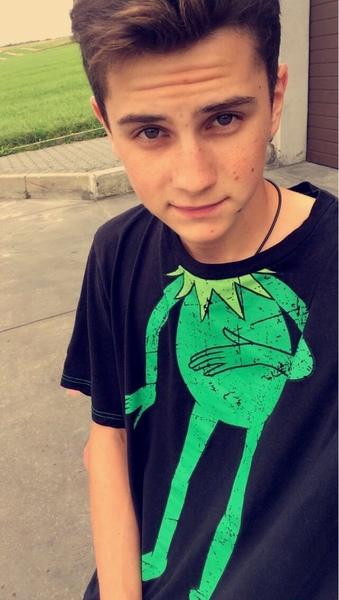luzzeky's Profile Photo
