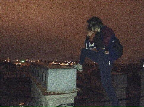 einzhierkommtdiesonne's Profile Photo