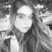carlyorlaa's Profile Photo