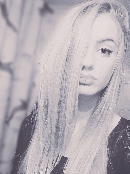 Zafiria_'s Profile Photo