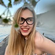 a_stia's Profile Photo