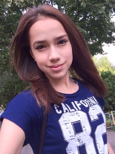 BlackSwanAlina's Profile Photo