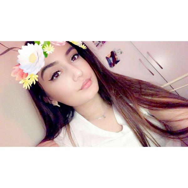 ellachen150's Profile Photo