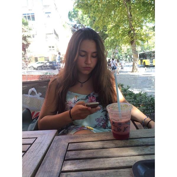 zeynepinikizi's Profile Photo