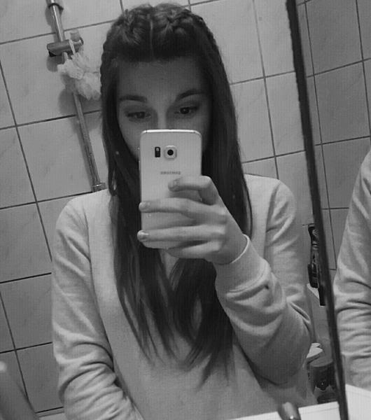 Marie_Isabella's Profile Photo