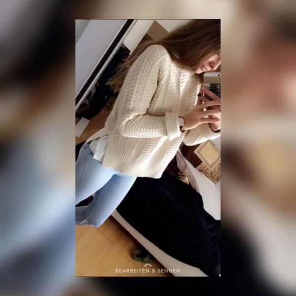 celi_1300's Profile Photo