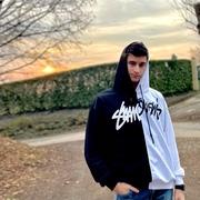 andreag_99_'s Profile Photo