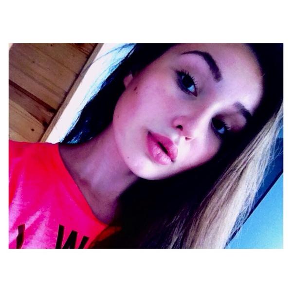 azizaz99's Profile Photo