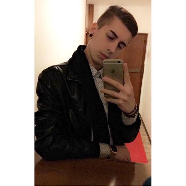 ChefrenComoretto's Profile Photo