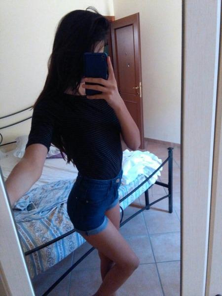 Aleefregna's Profile Photo