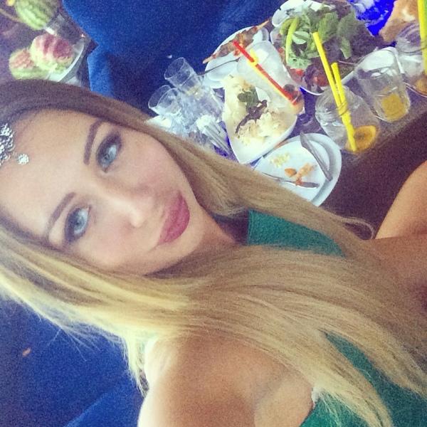 partygoeslikethis's Profile Photo