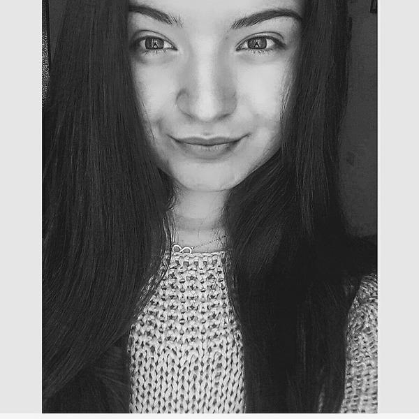 LoreeLory's Profile Photo