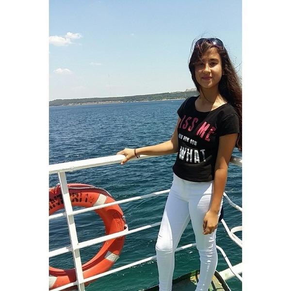 BeyzaCarly58's Profile Photo