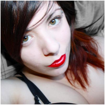 nicotinestain's Profile Photo