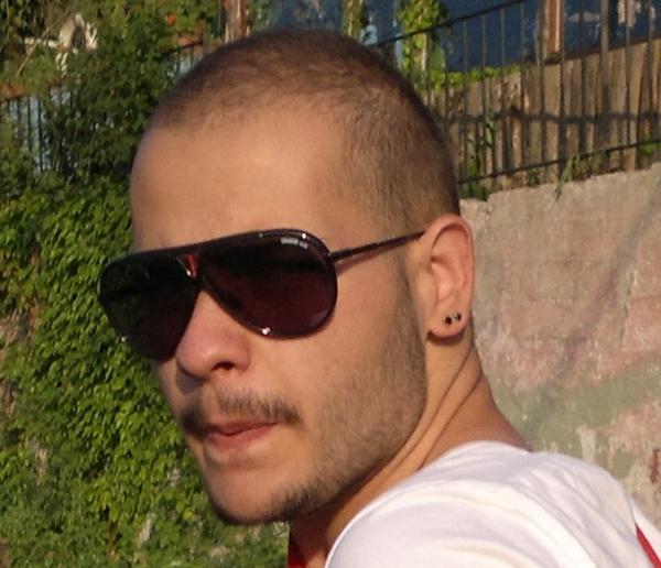 ouzhnkuru's Profile Photo