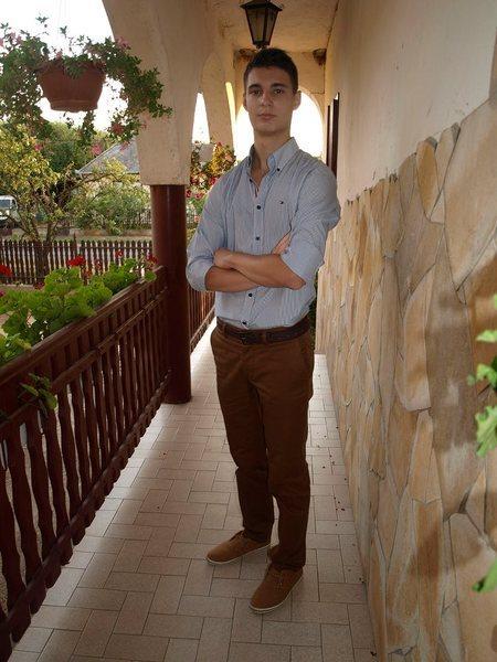 ader2x's Profile Photo