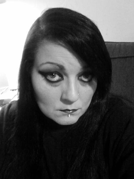 BROKENLADY70's Profile Photo