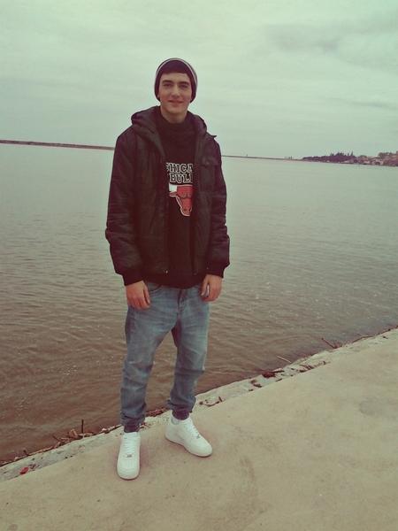 LuisFernandes19's Profile Photo