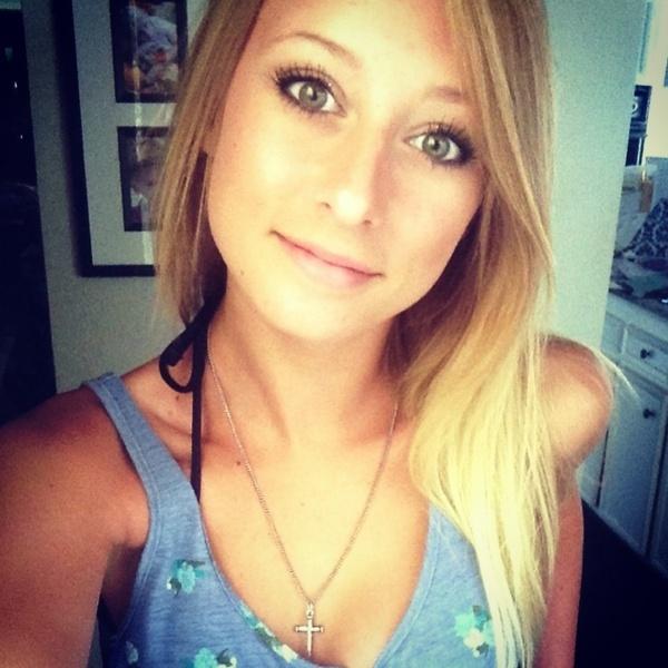 Courtneylynnr's Profile Photo