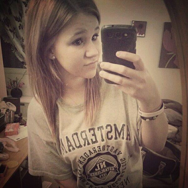 Lottie98xo's Profile Photo