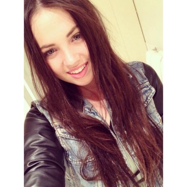 charlotteannthompson's Profile Photo