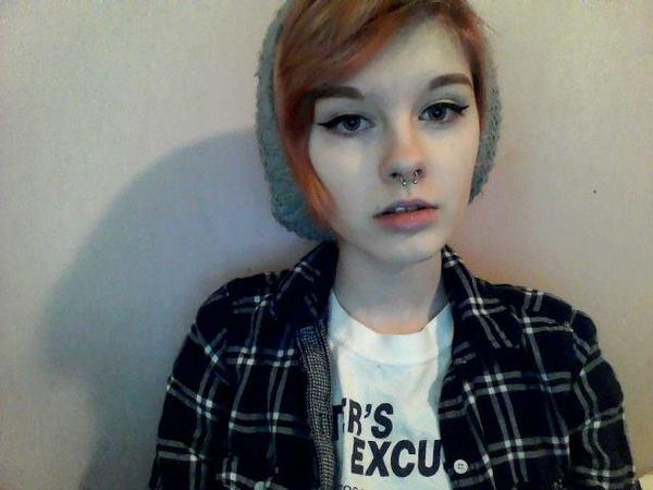 schoolwitch's Profile Photo