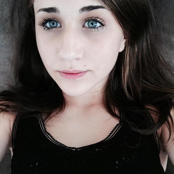 JuliaRoos_'s Profile Photo
