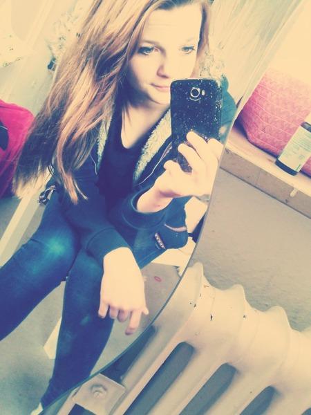 Jasmin678's Profile Photo