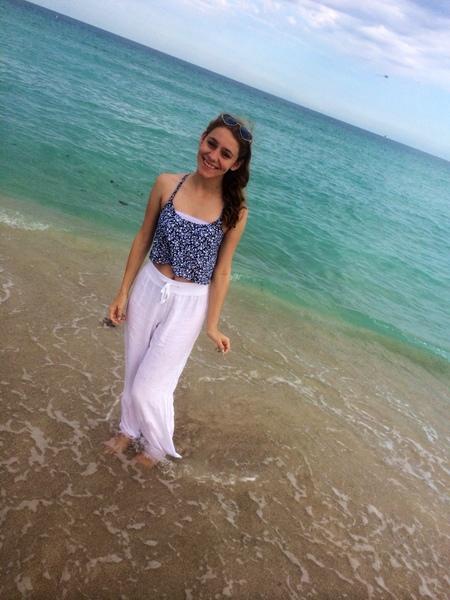 ilovetaylorswiftmorethanyou's Profile Photo