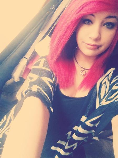 LauraRandom's Profile Photo