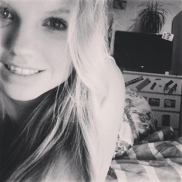 Blondii12's Profile Photo
