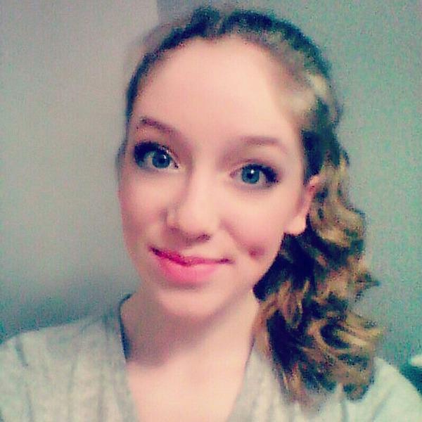 MollyNicoleWhite's Profile Photo