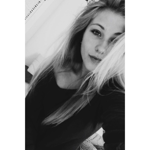 RedhotoweLove's Profile Photo