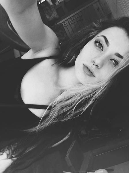 ThaysEsmerald's Profile Photo