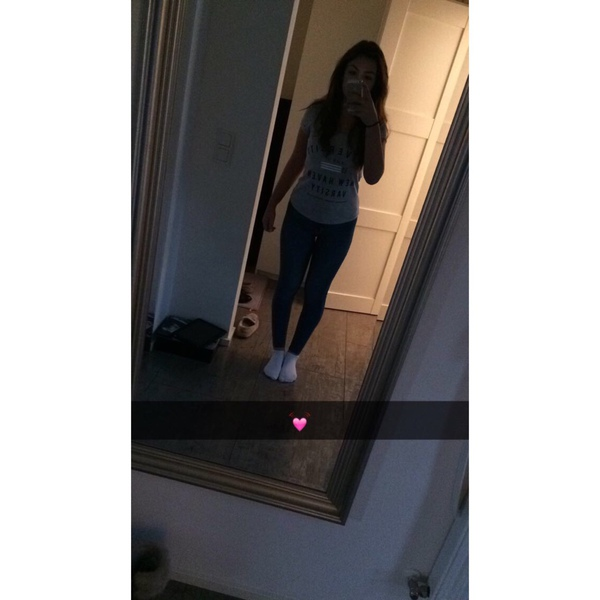 Melle13's Profile Photo