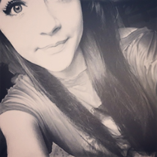 Estevelaura's Profile Photo