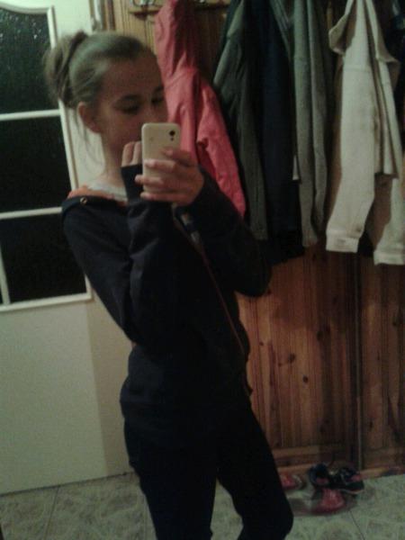 hello_bitchess_andbyee's Profile Photo