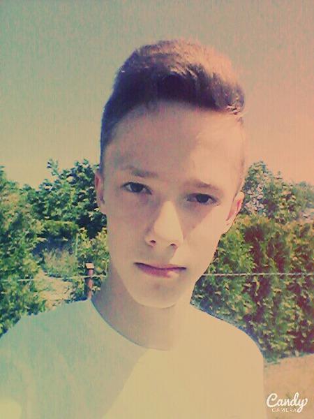 LukAsECkI_1's Profile Photo