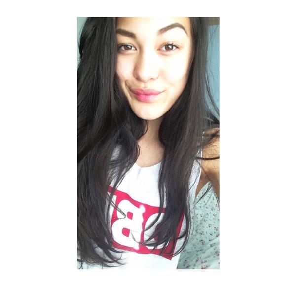 rebecka_01a's Profile Photo