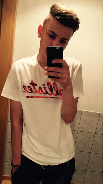 Junge selfie hübscher Volle länge.