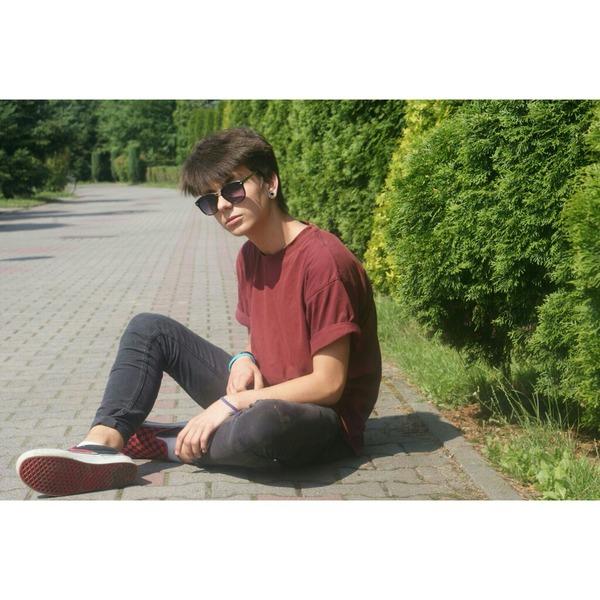 qfhij's Profile Photo
