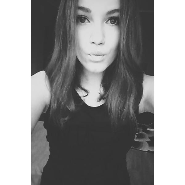 Madlenneee's Profile Photo